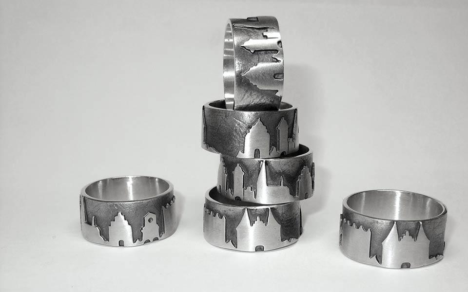 Das kleine KRA | Lübeckring Silber mit Stadtsilhouette